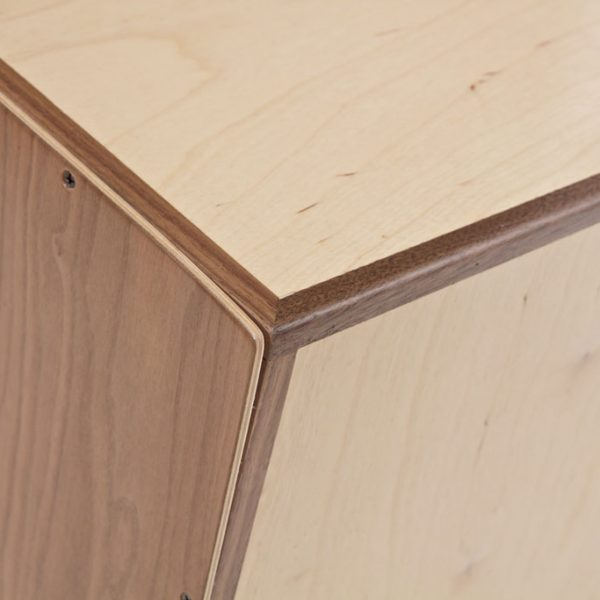 Cajon-Walnut-slap-detail